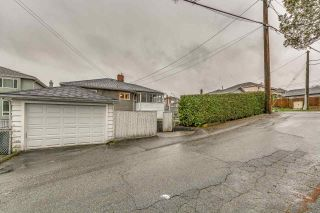 Photo 3: 3005 E 4TH Avenue in Vancouver: Renfrew VE House for sale (Vancouver East)  : MLS®# R2250924