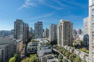 """Photo 11: 1405 928 RICHARDS Street in Vancouver: Yaletown Condo for sale in """"SAVOY"""" (Vancouver West)  : MLS®# R2107849"""