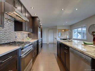 Photo 4: 4890 Sea Ridge Dr in VICTORIA: SE Cordova Bay House for sale (Saanich East)  : MLS®# 825364