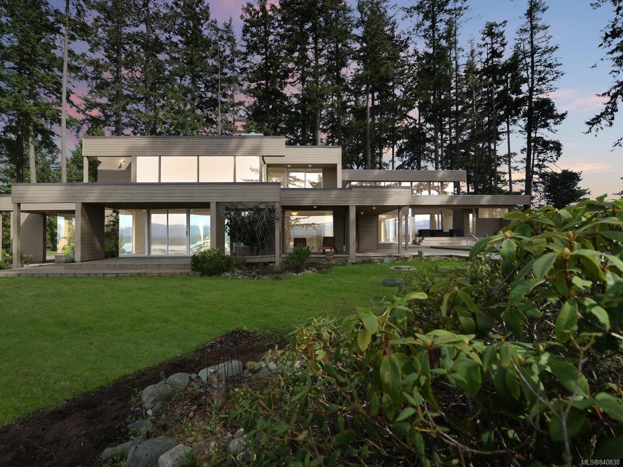 Photo 3: Photos: 1156 Moore Rd in COMOX: CV Comox Peninsula House for sale (Comox Valley)  : MLS®# 840830