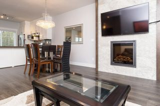 """Photo 6: 40 6971 122 Street in Surrey: West Newton Townhouse for sale in """"Aura"""" : MLS®# R2120843"""