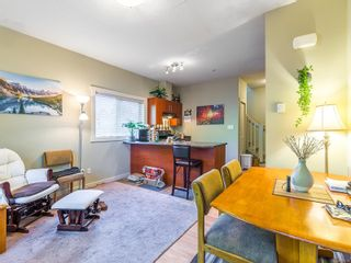 Photo 5: 104 584 Rosehill St in Nanaimo: Na Central Nanaimo Row/Townhouse for sale : MLS®# 886756