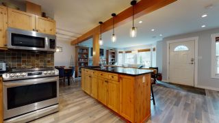 Photo 10: 41870 BIRKEN Road in Squamish: Brackendale 1/2 Duplex for sale : MLS®# R2547120