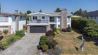 Photo 2: 7700 DECOURCY Crescent in Richmond: Quilchena RI House for sale : MLS®# R2598866