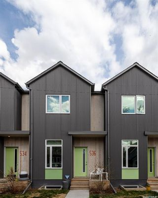 Photo 2: 536 F Avenue South in Saskatoon: Riversdale Residential for sale : MLS®# SK857289