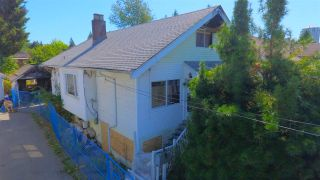 Photo 2: 302 EIGHTH Avenue in New Westminster: GlenBrooke North House for sale : MLS®# R2201581