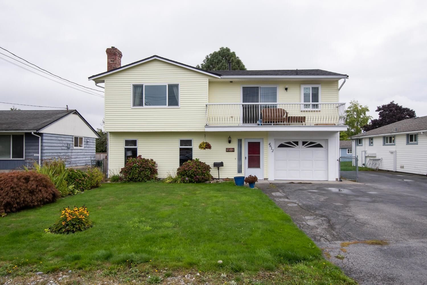 Main Photo: 4612 60B Street in Delta: Holly House for sale (Ladner)  : MLS®# R2620602
