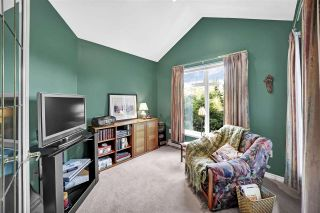 """Photo 4: 302 1144 STRATHAVEN Drive in North Vancouver: Northlands Condo for sale in """"Strathaven"""" : MLS®# R2464031"""