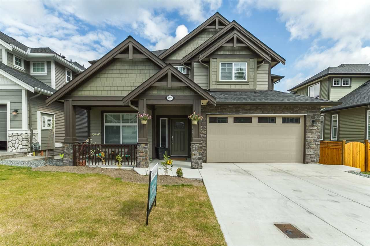 Photo 1: Photos: 33925 MCPHEE Place in Mission: Mission BC House for sale : MLS®# R2519119