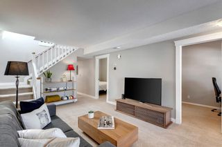 Photo 4: 613 15 Avenue NE in Calgary: Renfrew Detached for sale : MLS®# A1072998