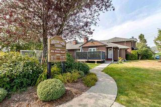 """Photo 1: 20 1336 PITT RIVER Road in Port Coquitlam: Citadel PQ Townhouse for sale in """"WILLOW GLEN ESTATES"""" : MLS®# R2498606"""