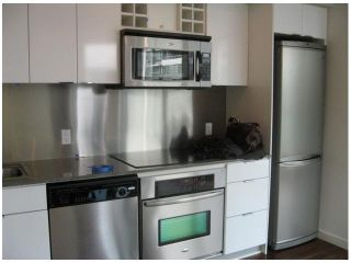 """Photo 4: 2202 788 HAMILTON Street in Vancouver: Downtown VW Condo for sale in """"TV TOWER I"""" (Vancouver West)  : MLS®# V825585"""
