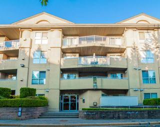 """Photo 2: 210 13780 76 Avenue in Surrey: East Newton Condo for sale in """"Earls Court"""" : MLS®# R2596740"""