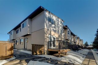 Photo 3: 27 4531 7 Avenue SE in Calgary: Forest Heights Row/Townhouse for sale : MLS®# A1069487
