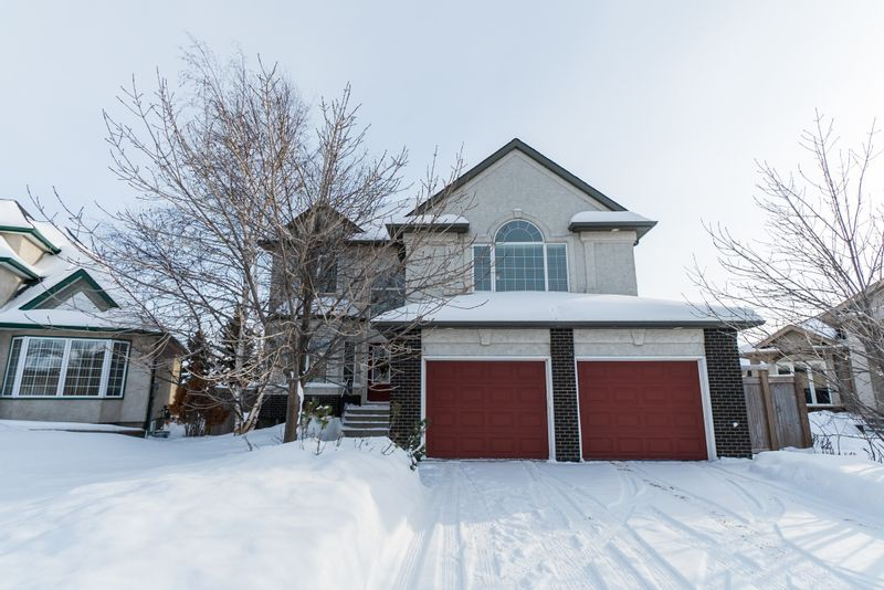 FEATURED LISTING: 26 Laurel Ridge Drive Winnipeg