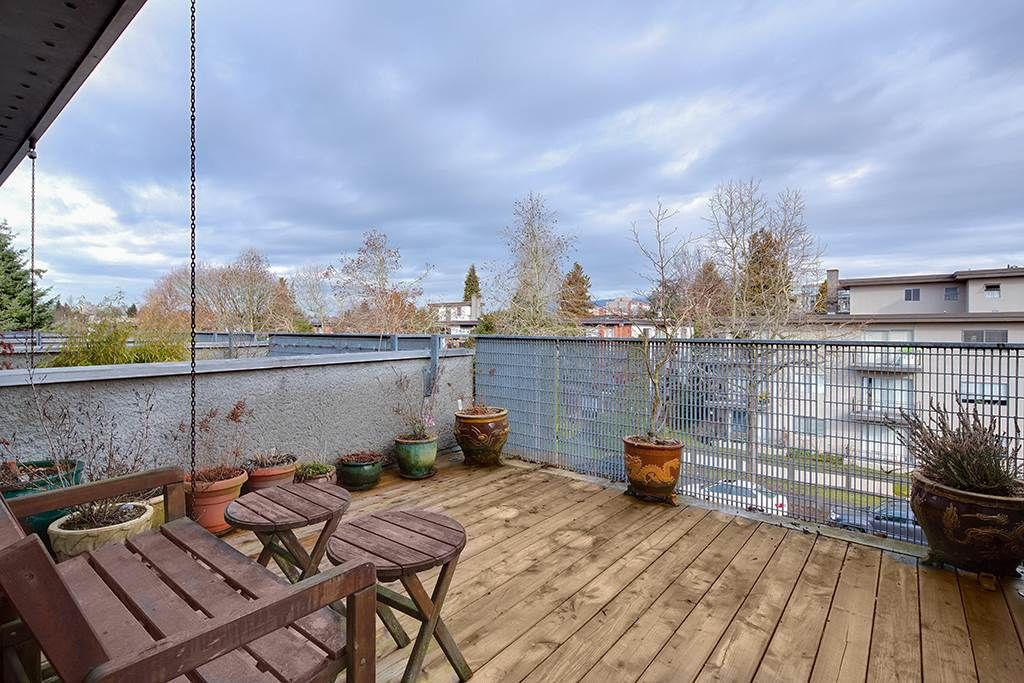 Main Photo: 392 E 15TH Avenue in Vancouver: Mount Pleasant VE Townhouse for sale (Vancouver East)  : MLS®# R2349680