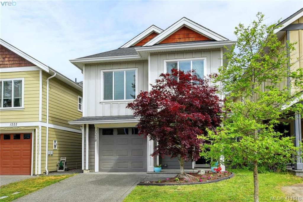 Main Photo: 1218 Parkdale Creek Gdns in VICTORIA: La Westhills House for sale (Langford)  : MLS®# 814828