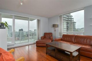 "Photo 6: 1707 39 SIXTH Street in New Westminster: Downtown NW Condo for sale in ""QUANTUM"" : MLS®# R2262305"