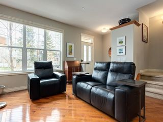 Photo 6: 4026 GARRISON Boulevard SW in Calgary: Garrison Woods Row/Townhouse for sale : MLS®# C4242929