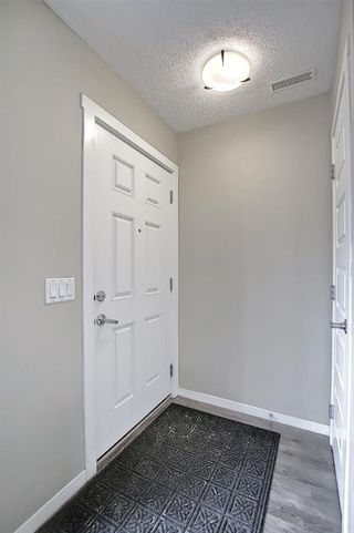Photo 4: 525 Mckenzie Towne Close SE in Calgary: McKenzie Towne Row/Townhouse for sale : MLS®# A1107217