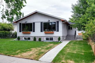 Photo 2: 1026 39 Avenue NW in Calgary: Cambrian Heights Semi Detached for sale : MLS®# A1127206