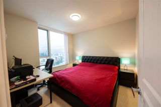 "Photo 3: 1705 3100 WINDSOR Gate in Coquitlam: New Horizons Condo for sale in ""THE LLOYD"" : MLS®# R2475305"