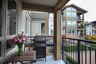 Photo 6: 209 2601 Whiteley Court in North Vancouver: Lynn Valley Condo for sale : MLS®# R2112893