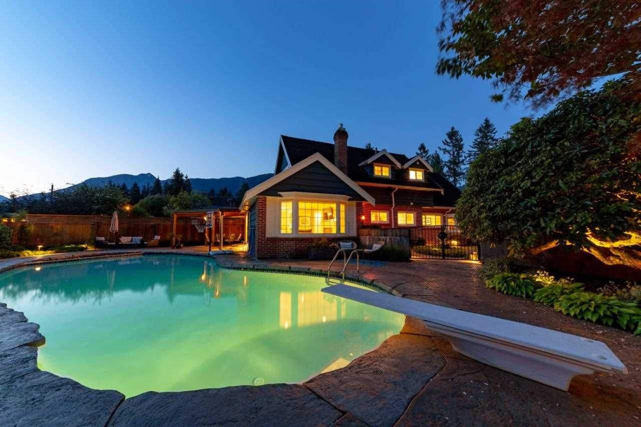 Main Photo: 1282 RYDAL AVENUE in North Vancouver: Canyon Heights NV House for sale : MLS®# R2337953