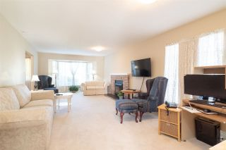"""Photo 4: 15542 98A Avenue in Surrey: Guildford House for sale in """"Briarwood"""" (North Surrey)  : MLS®# R2303432"""