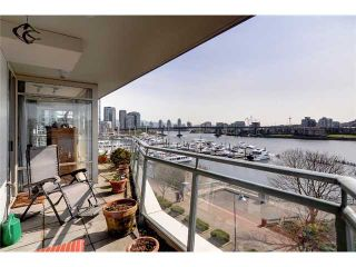 Photo 3: 507 1288 MARINASIDE Crest in Vancouver: Yaletown Condo for sale (Vancouver West)  : MLS®# V942487