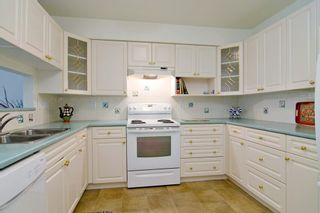 "Photo 2: 201 121 W 29TH Street in North Vancouver: Upper Lonsdale Condo for sale in ""Somerset Green"" : MLS®# R2066610"