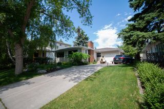 Main Photo: 1008 80 Avenue SW in Calgary: Chinook Park Detached for sale : MLS®# A1120684
