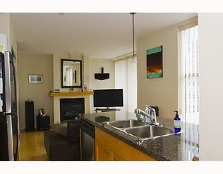 """Photo 7: 2107 989 RICHARDS Street in Vancouver: Downtown VW Condo for sale in """"MONDRIAN"""" (Vancouver West)  : MLS®# V713987"""