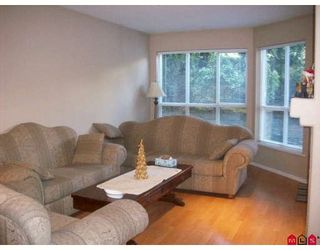 """Photo 2: 115 9979 140TH Street in Surrey: Whalley Condo for sale in """"Sherwood Green"""" (North Surrey)  : MLS®# F2902770"""