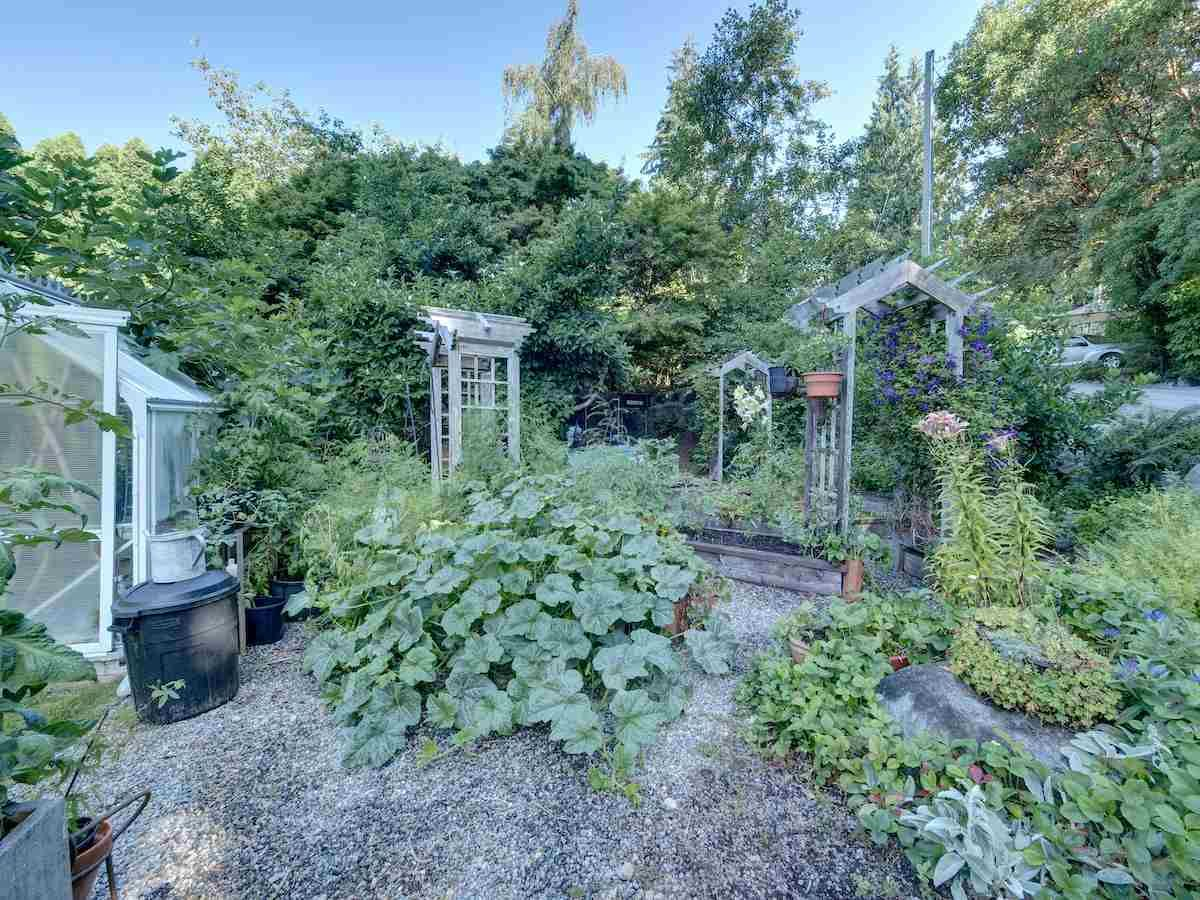 Photo 21: Photos: 2595 SYLVAN Drive: Roberts Creek House for sale (Sunshine Coast)  : MLS®# R2481642