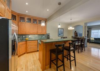 Photo 8: 2015 6 Avenue NW in Calgary: West Hillhurst Semi Detached for sale : MLS®# A1105815