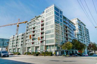 Photo 1: 904 1887 CROWE Street in Vancouver: False Creek Condo for sale (Vancouver West)  : MLS®# R2417358