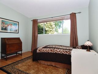 Photo 9: 15631 Roper Avenue in White Rock: Home for sale : MLS®# F2912388