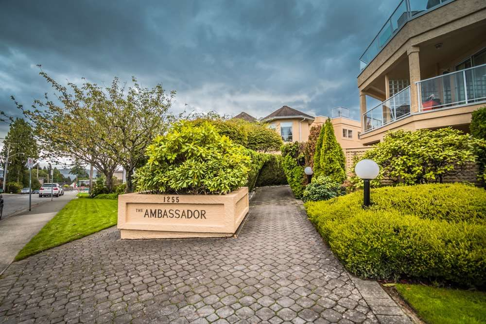 """Main Photo: 102 1255 BEST Street: White Rock Condo for sale in """"THE AMBASSADOR"""" (South Surrey White Rock)  : MLS®# R2506778"""