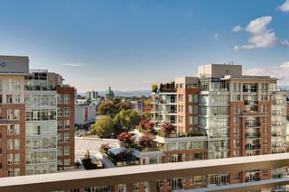Photo 5: 1008 751 Fairfield Rd in : Vi Downtown Condo for sale (Victoria)  : MLS®# 888109
