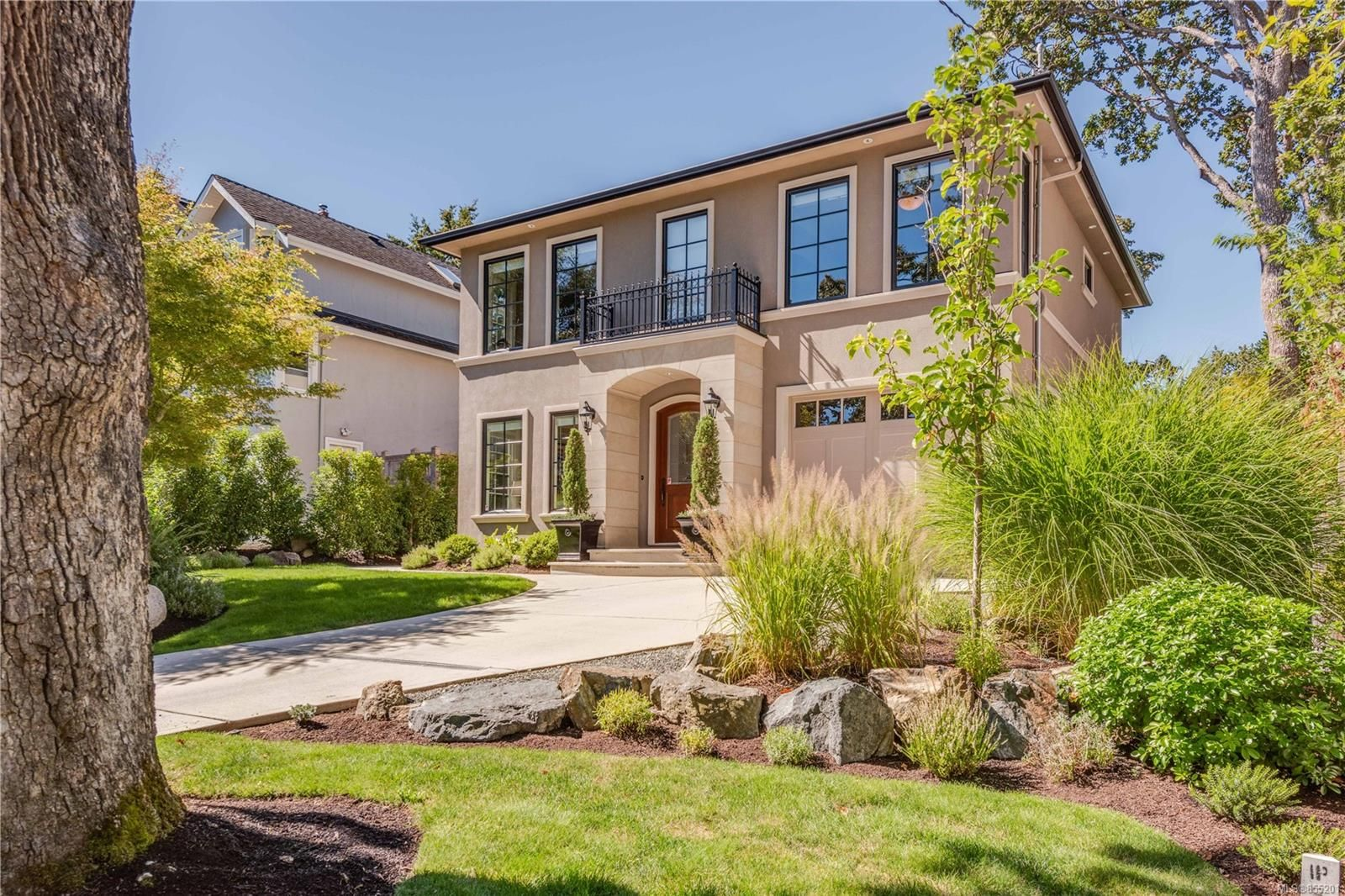 Main Photo: 1242 Oliver St in : OB South Oak Bay House for sale (Oak Bay)  : MLS®# 855201