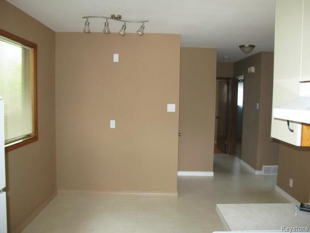Photo 6: Photos:  in WINNIPEG: East Kildonan Residential for sale (North East Winnipeg)  : MLS®# 1414106