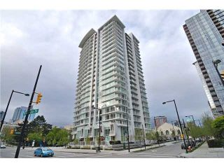 """Photo 1: 2308 161 W GEORGIA Street in Vancouver: Downtown VW Condo for sale in """"Cosmo"""" (Vancouver West)  : MLS®# R2032266"""