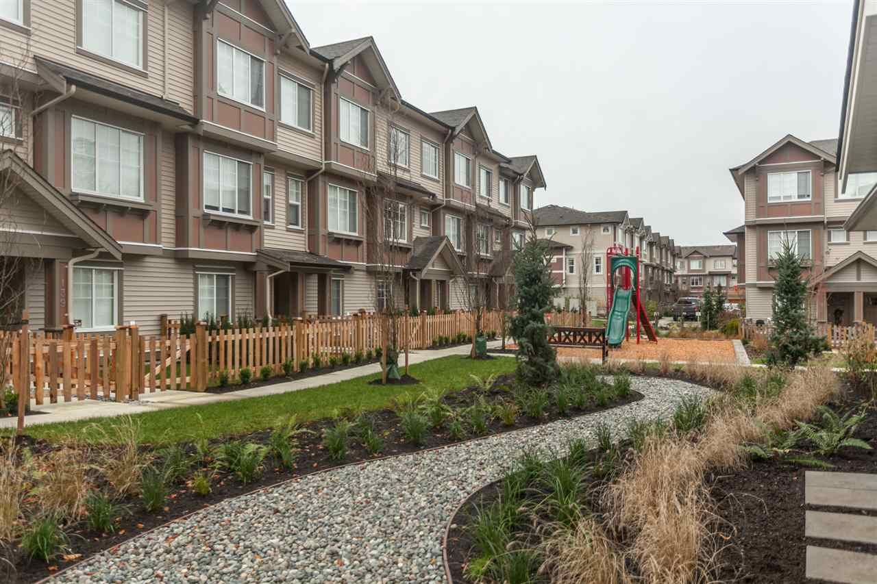"""Photo 13: Photos: 123 10151 240 Street in Maple Ridge: Albion Townhouse for sale in """"ALBION STATION"""" : MLS®# R2124549"""