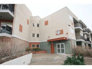 Photo 2: 223 69 SPRINGBOROUGH Court SW in Calgary: Springbank Hill Condo for sale : MLS®# C4002803
