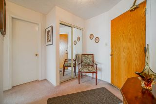 Photo 2: 1704 6070 MCMURRAY AVENUE in Burnaby: Forest Glen BS Condo for sale (Burnaby South)  : MLS®# R2442075