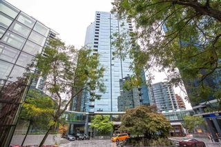 """Photo 16: 804 1050 BURRARD Street in Vancouver: Downtown VW Condo for sale in """"WALL CENTRE"""" (Vancouver West)  : MLS®# R2309129"""