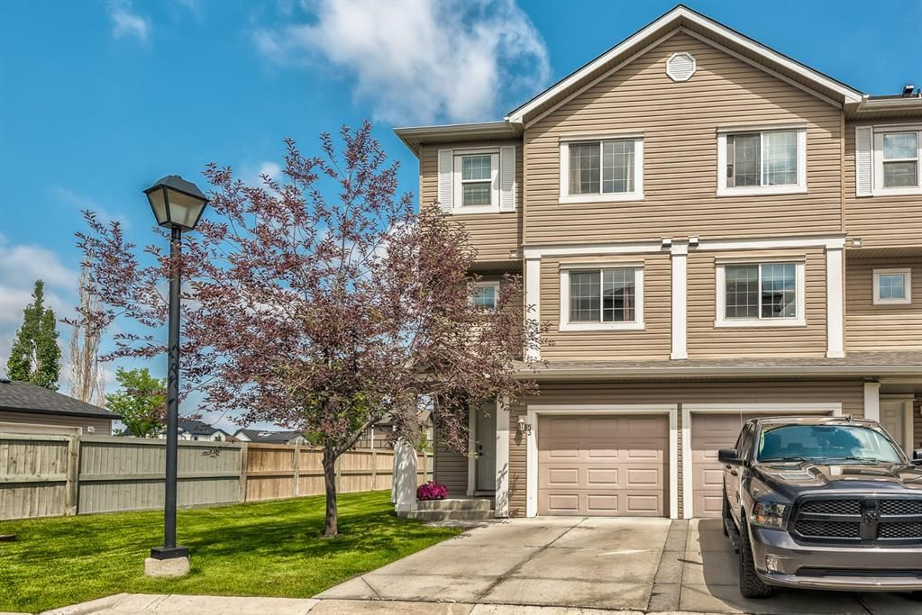 Main Photo: 53 Copperfield Court SE in Calgary: Copperfield Row/Townhouse for sale : MLS®# A1129315