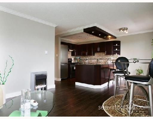 "Main Photo: 207 1006 CORNWALL Street in New_Westminster: Uptown NW Condo for sale in ""Cornwall Terrace"" (New Westminster)  : MLS®# V721823"