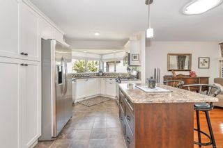 Photo 8: 3683 N Arbutus Dr in : ML Cobble Hill House for sale (Malahat & Area)  : MLS®# 880222
